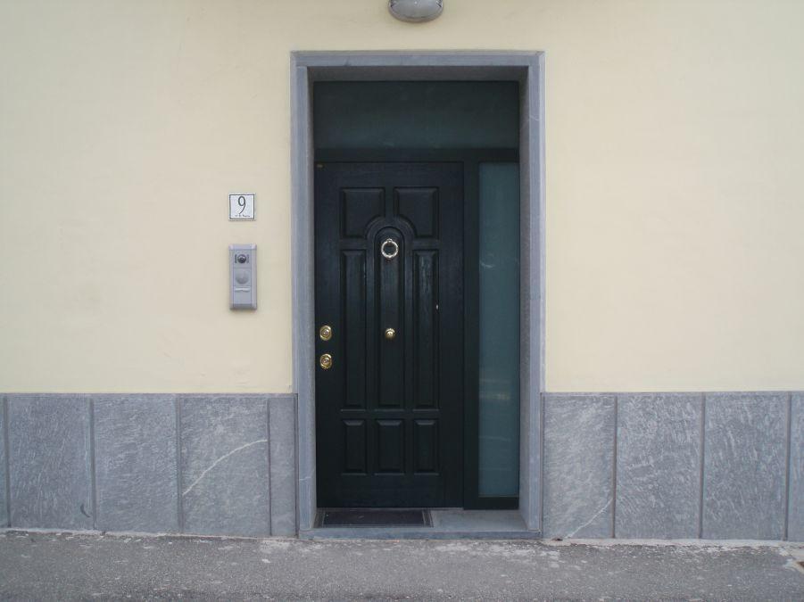 Porte blindate base 2 serramenti - Sopraluce porta ...