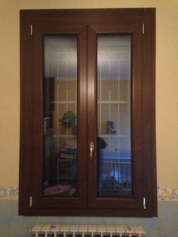 finestra a 2 ante pell legno base 2 serramenti
