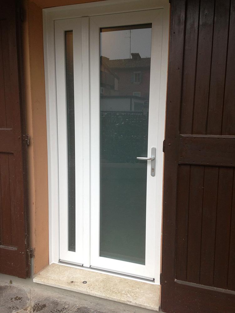 Porta finestra ante asimmetriche base 2 serramenti - Sicurezza porta finestra ...