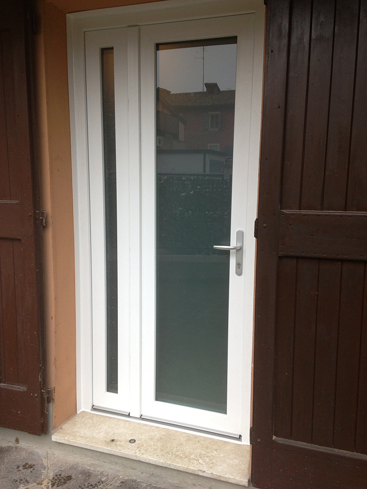 Porta finestra ante asimmetriche base 2 serramenti - Porte e finestre blindate ...