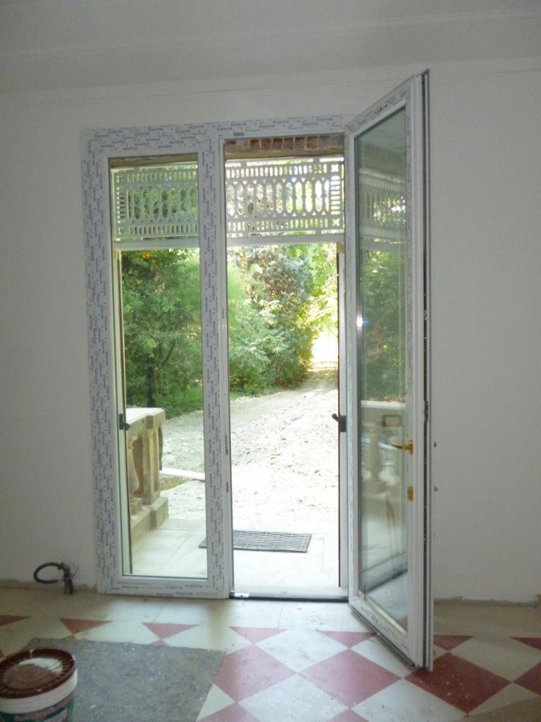 Porta finestra con cilindro passante e soglia ribassata - Porta finestra alluminio ...